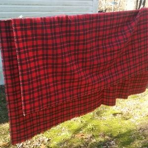 Other - Red Plaid Picnic Tablecloth Front Edge